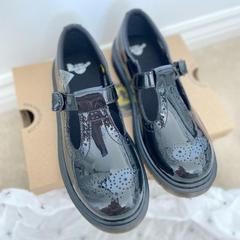 Office Shoes官网:Dr. Martens 超强大促 玛丽珍鞋等爆款速入