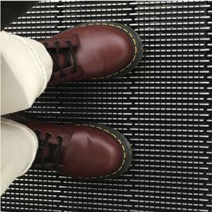 新低!Dr.Martens 1460 大童款酒红色马丁靴