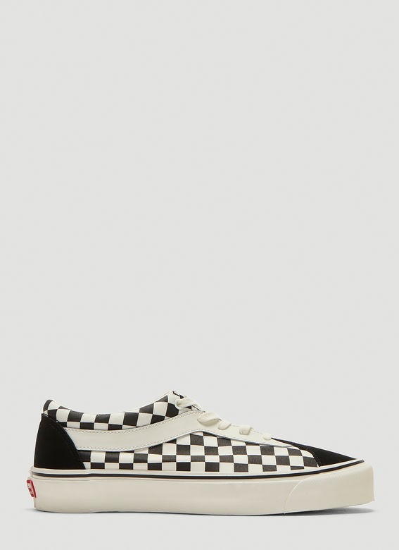Vans Bold Ni Sneakers  Vans Bold Ni Sneakers  Vans Bold Ni Sneakers   VANS Bold Ni Sneakers in Cream and Black