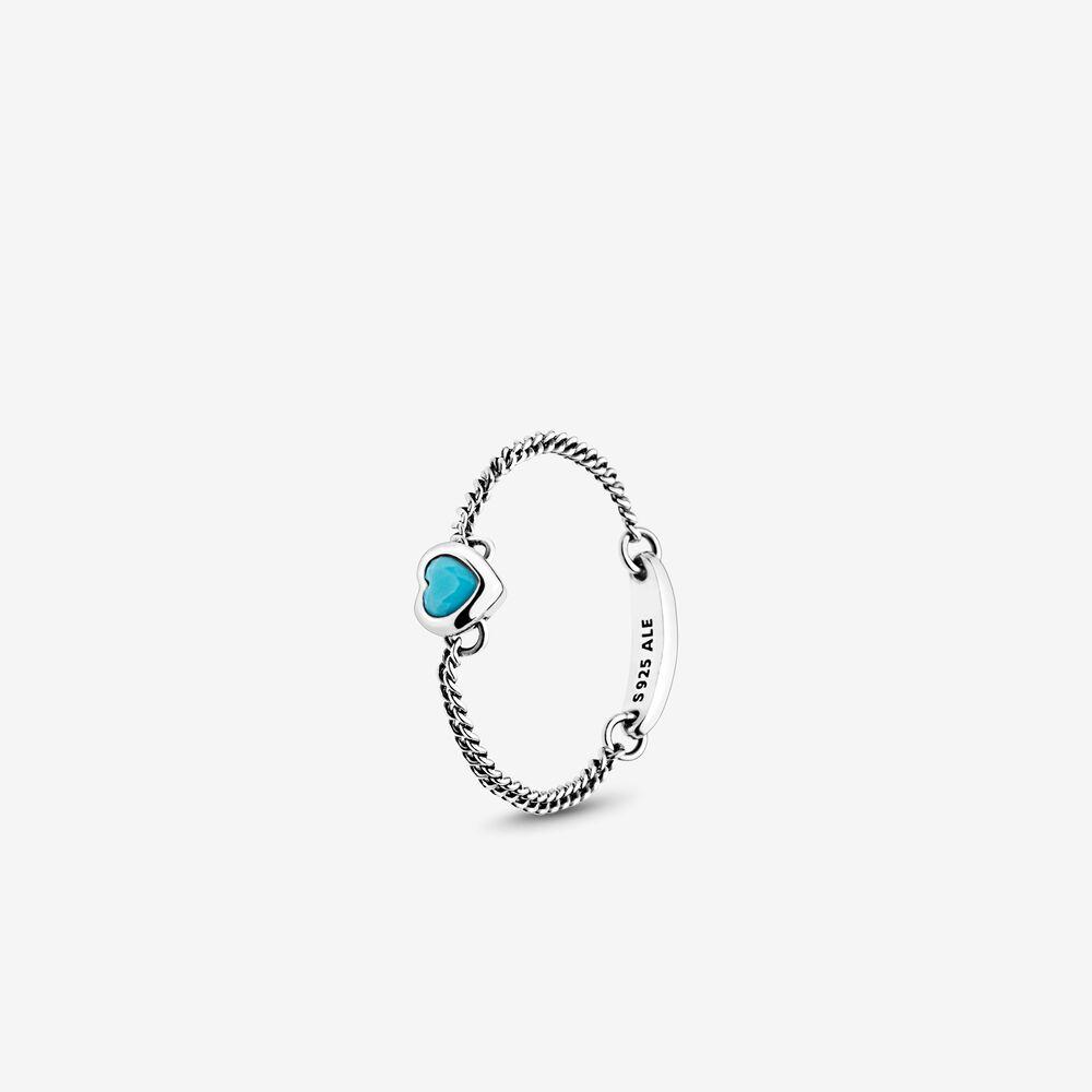蓝色心形戒指