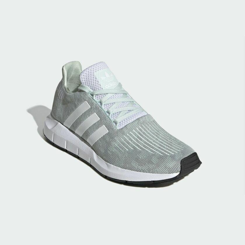 adidas Originals Swift Run 运动鞋