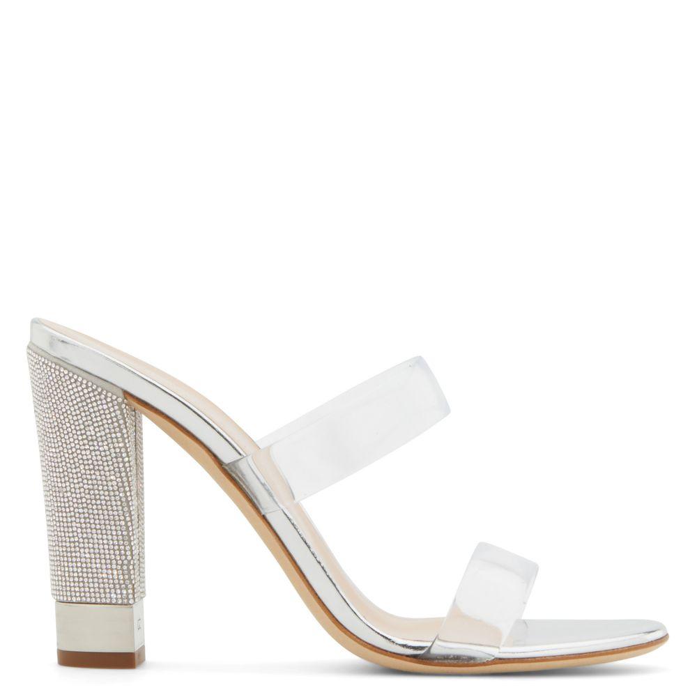 Aurelia 透明带高跟鞋