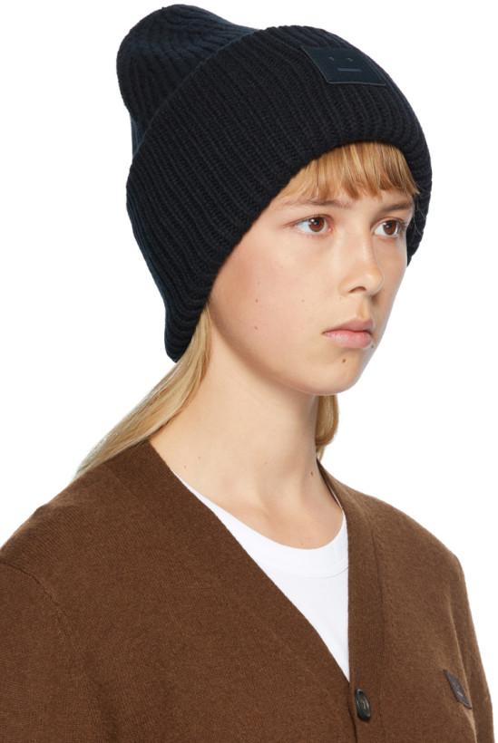 黑色贴饰罗纹针织毛线帽
