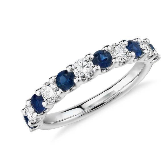 露娜蓝宝石和钻石戒指