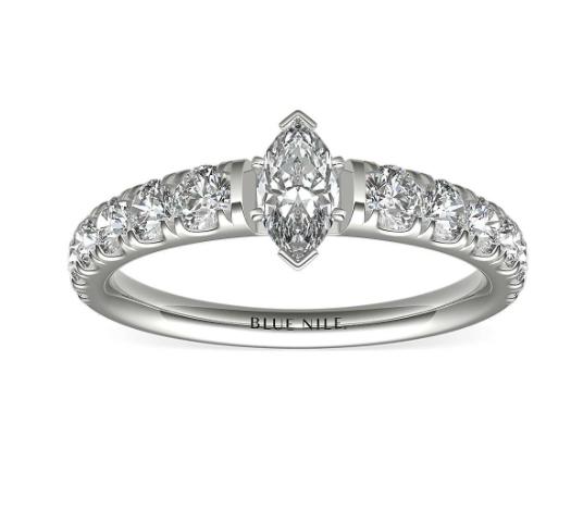 铂金Tazza密钉镶钻石订婚戒指