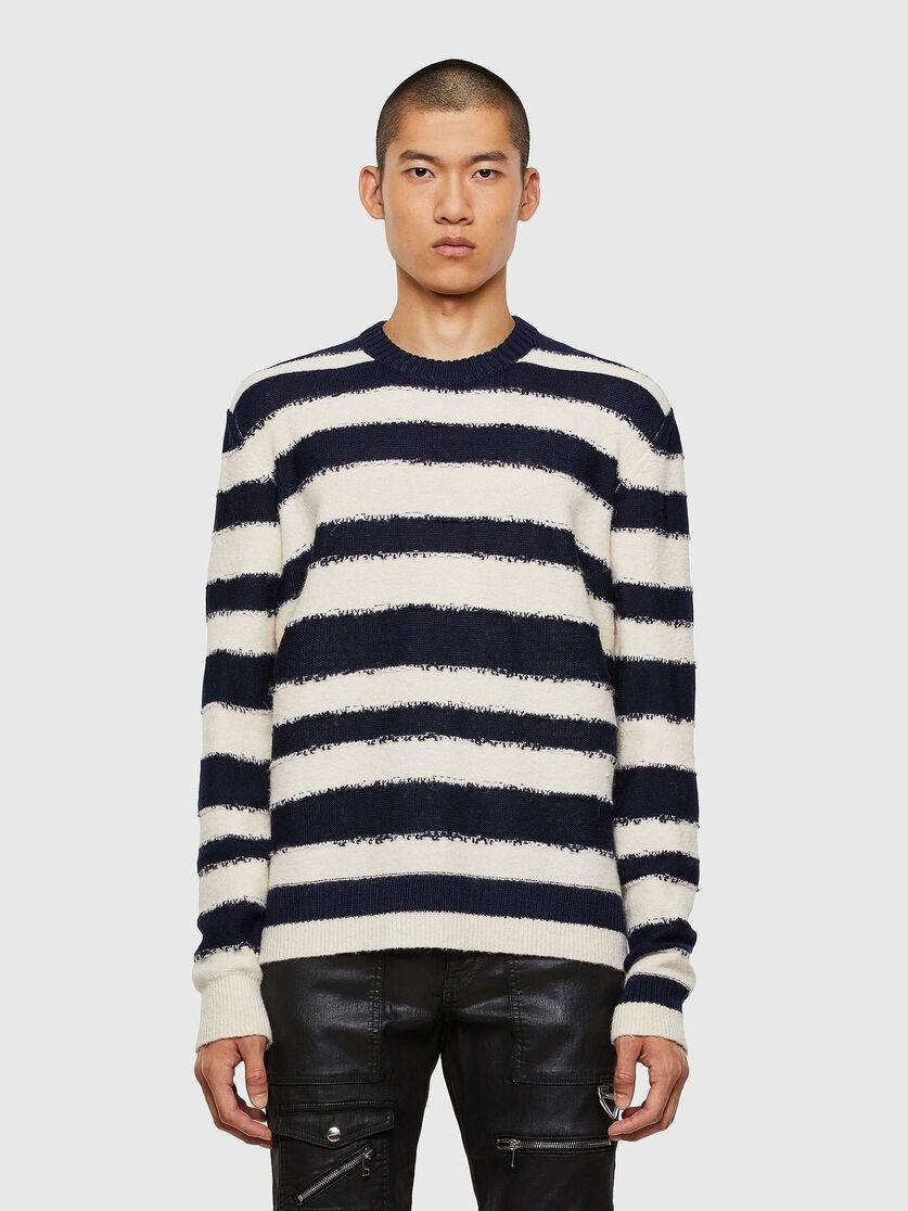 反提花条纹毛衣