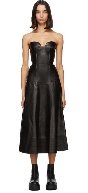 黑色皮质连衣裙