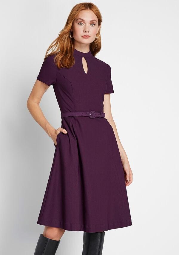 设计感短袖连衣裙