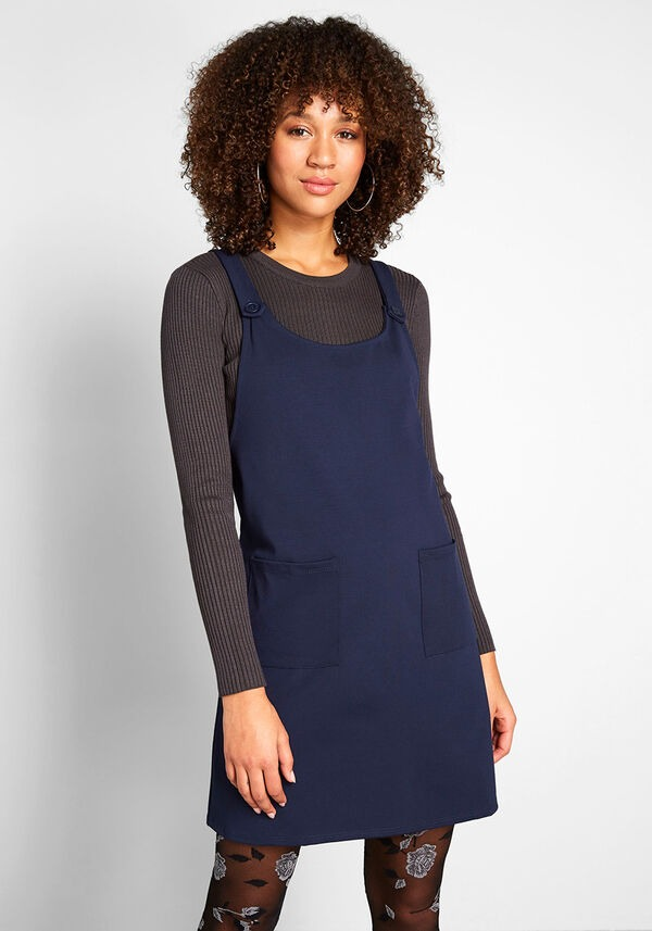针织背带连衣裙