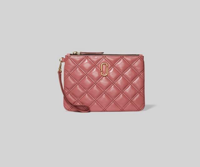 粉色方块手拿包