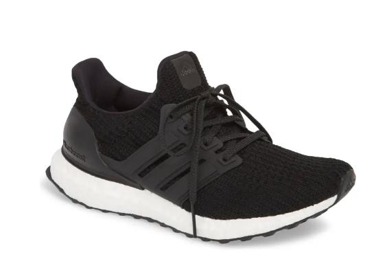 Adidas 运动跑鞋