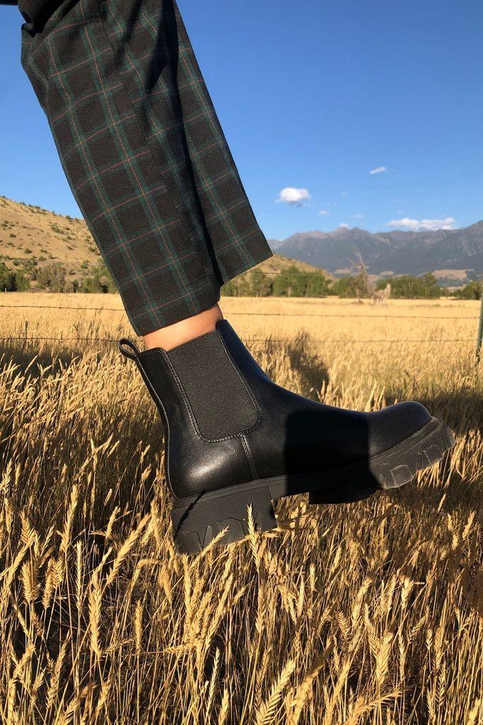 UO 切尔西靴