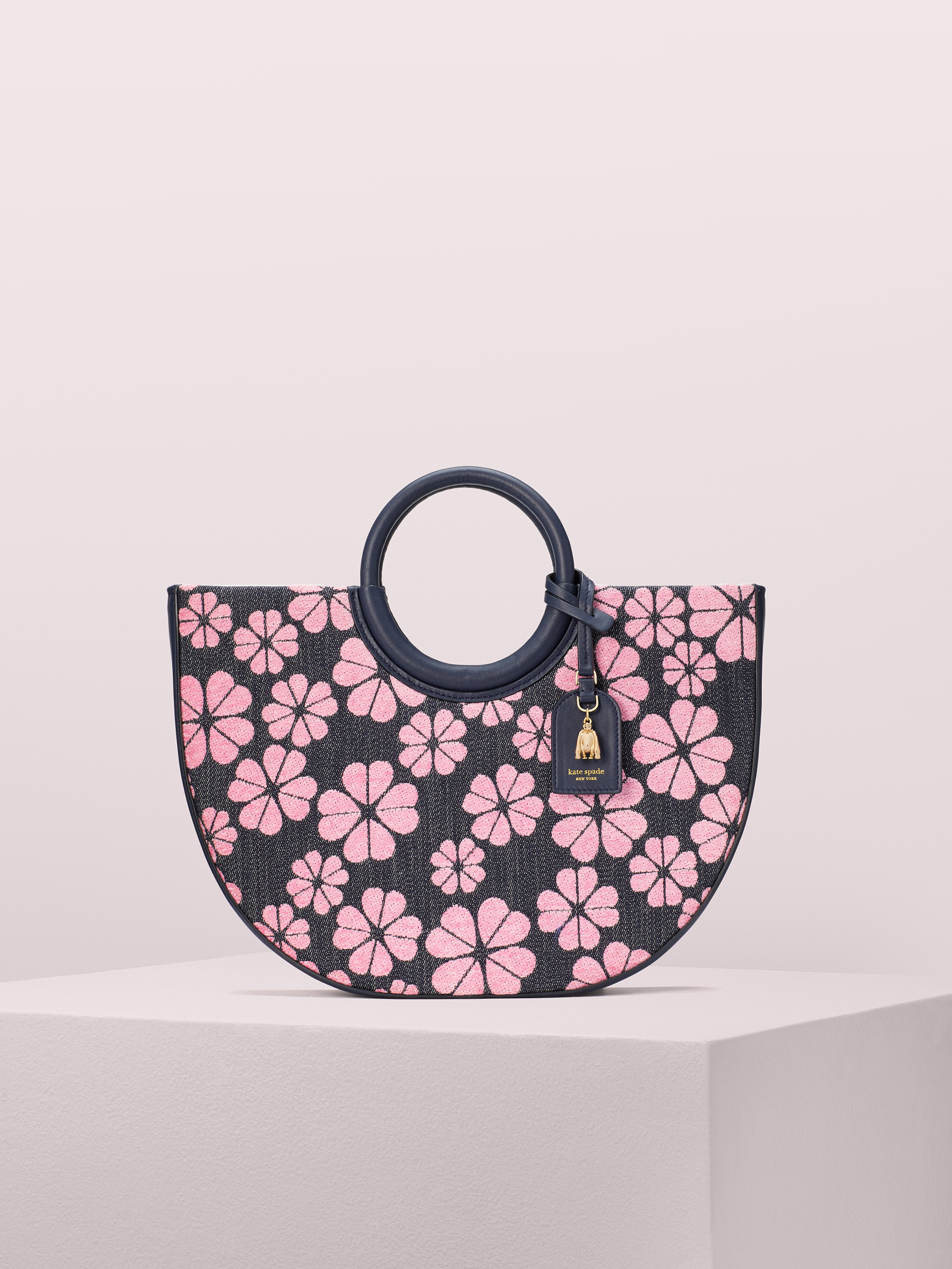 on purpose circle tote