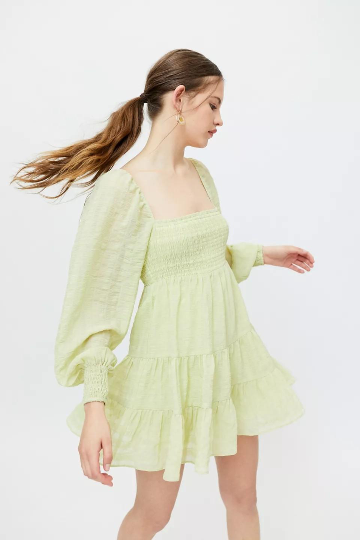 长袖收口连衣裙