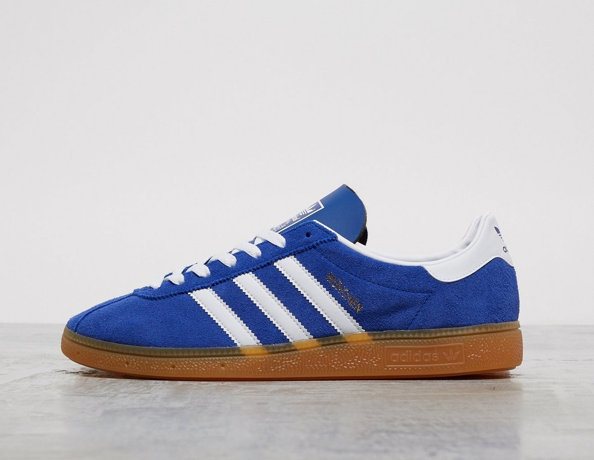 Adidas 休闲鞋