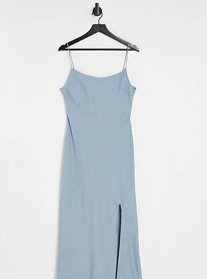 雾霾蓝吊带裙