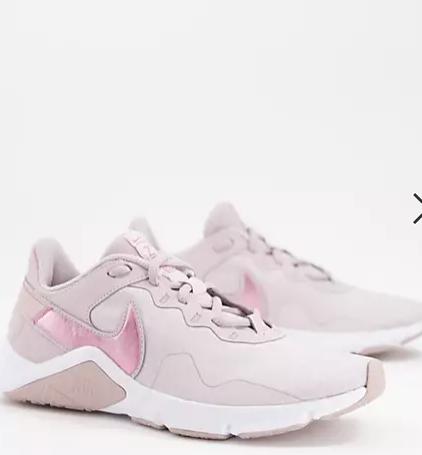 Nike跑步鞋