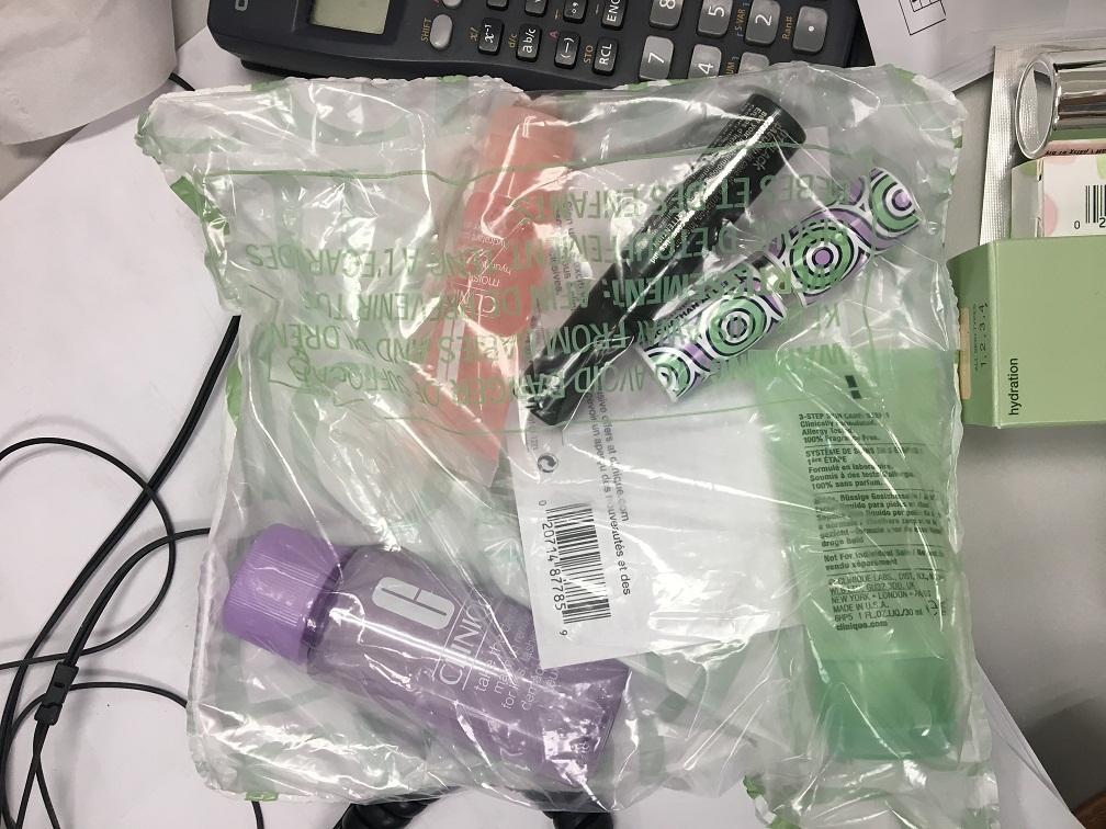 倩碧CC霜、眼线笔、蜡笔唇膏、腮红、腮红刷晒单