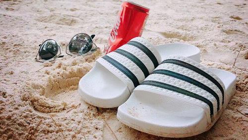 【5姐晒单】我想带着你去环游世界-Adidas三叶草拖鞋