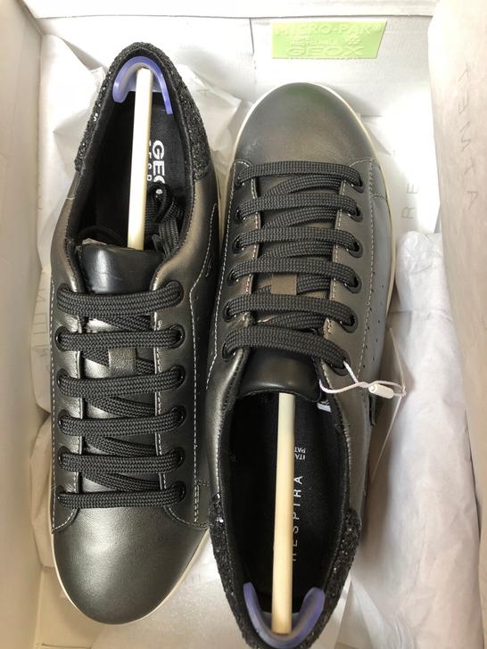 出英国购入 Geox 健乐士真皮女鞋 全新