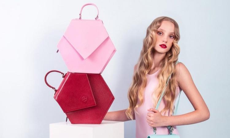 【5姐晒单】硬朗和淑女风两手齐抓—Nina Hauzer包包