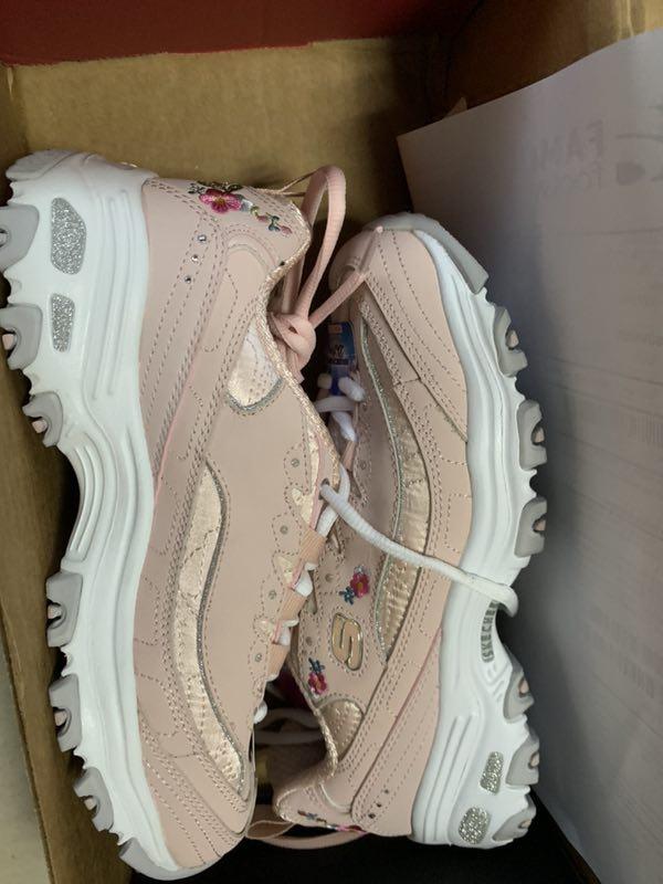 喜爱的粉色鞋到了!