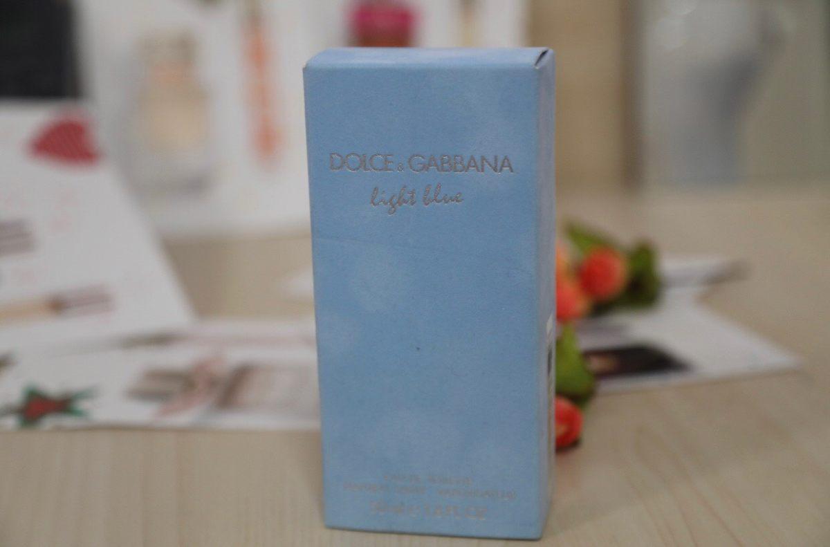 DG的浅蓝香水,也算是大名鼎鼎了~但前阵子DG事件,没敢晒…