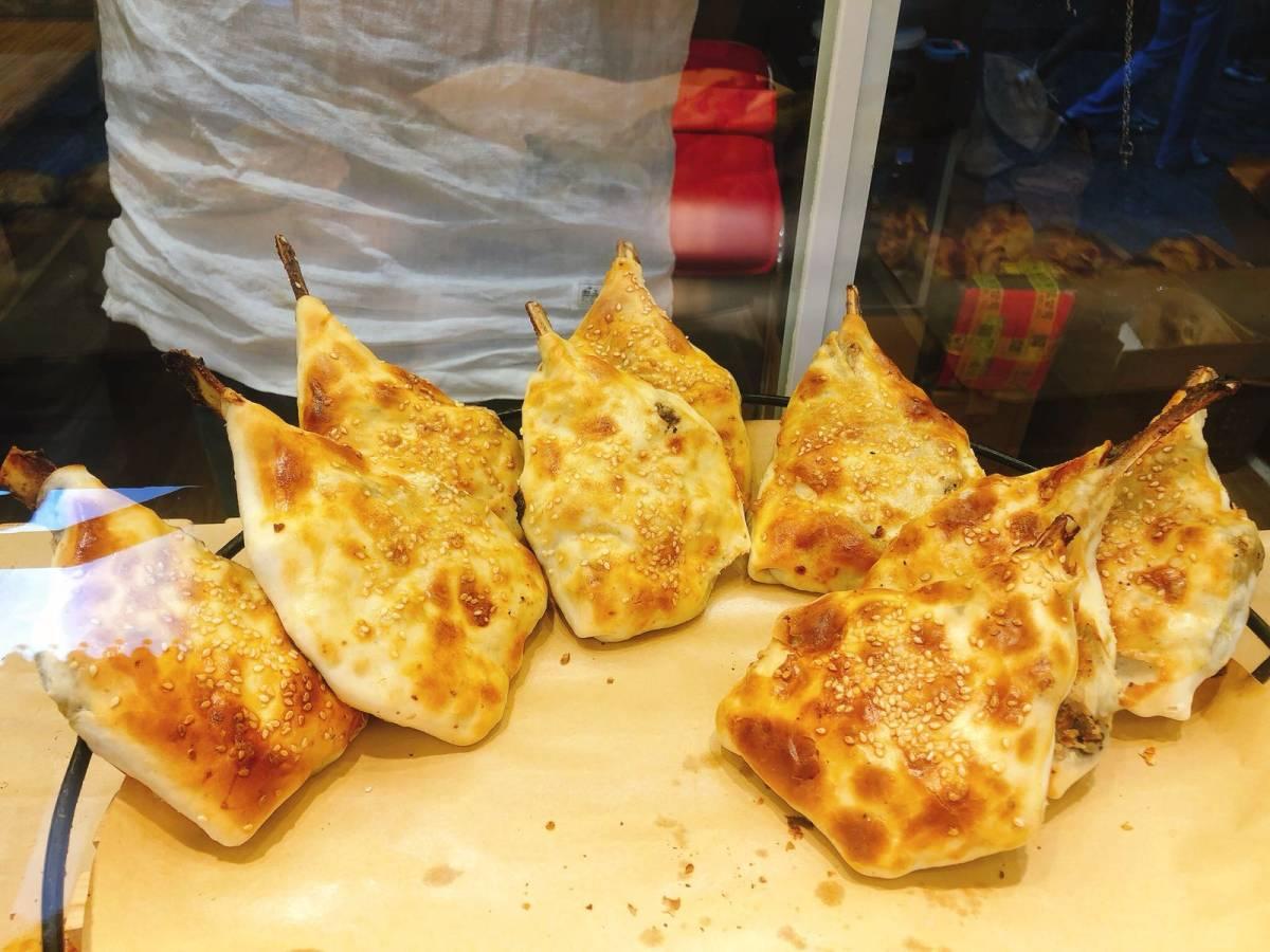 国庆八天乐  打卡丽江凡烤包,小店很干净卫生,店员小哥哥很热