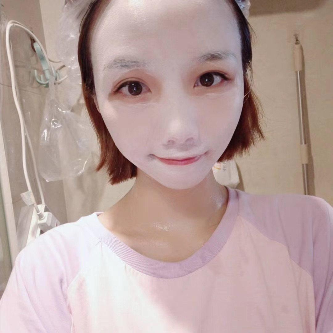 面膜打卡第三天 今天是清洁面膜,科颜氏白泥哦 用之前洗干净脸