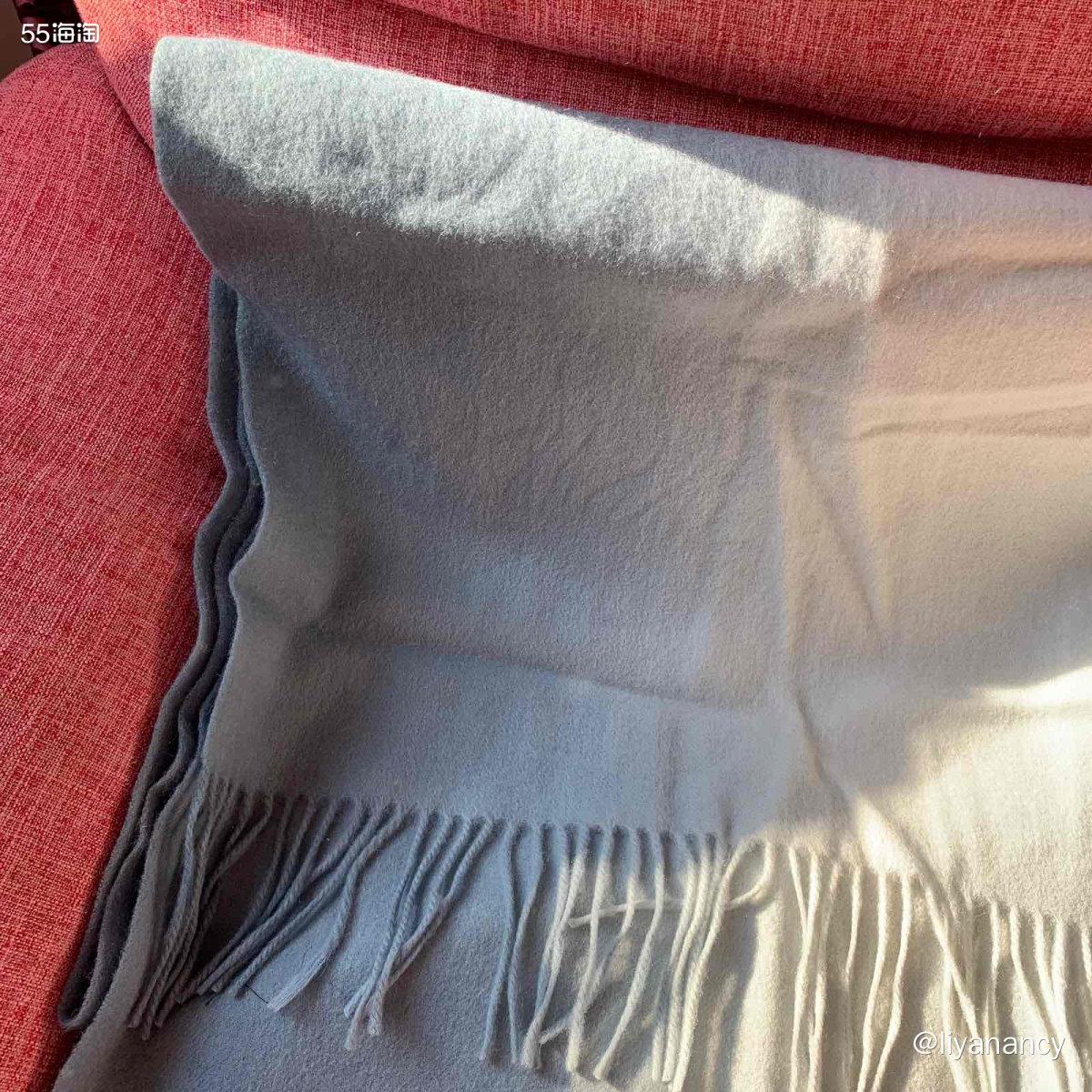 拼色系围巾  ✨这款围巾也是入手好久了,款式是很普通的款,但