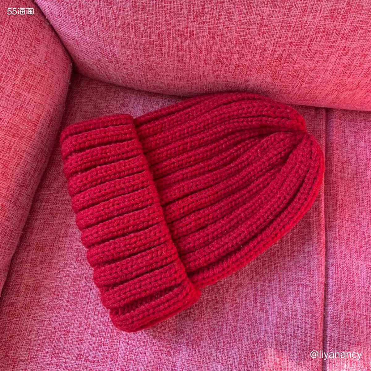 小红帽  ✨冬天的毛线帽就很畅销,很多长头发姑娘尤其是头发带