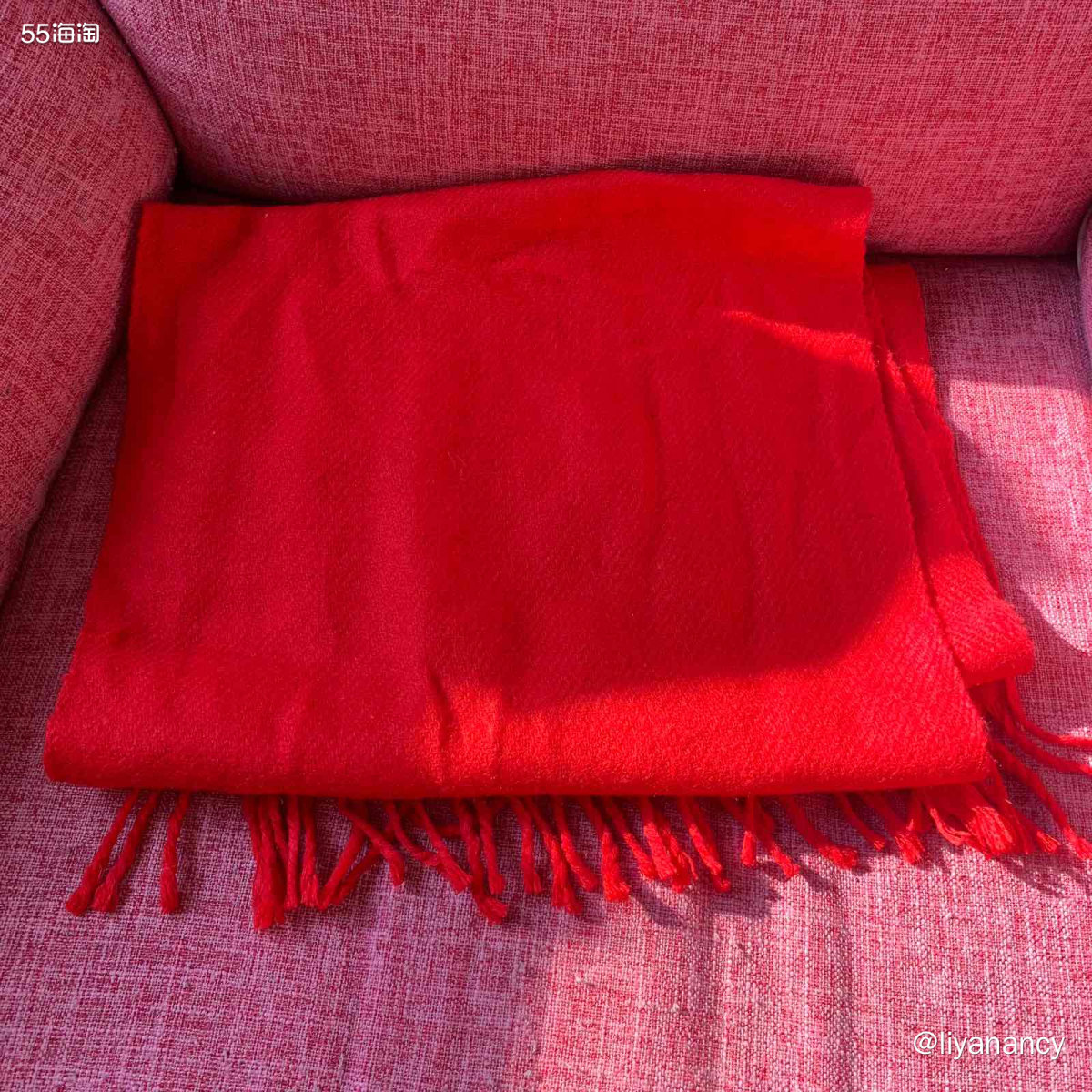红围巾  ✨这款红围巾还是之前家人报低价旅游团的时候买的,很