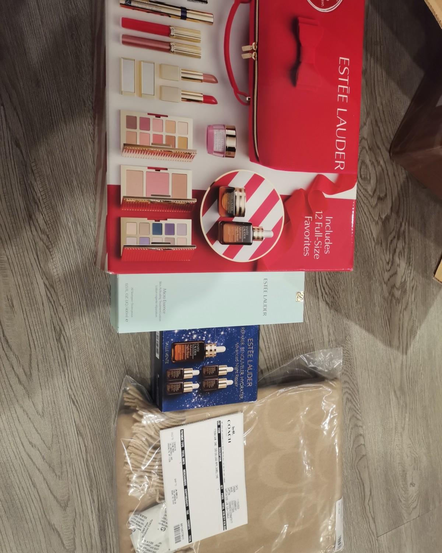 雅诗兰黛和蔻驰合箱到啦 趁着美国打折买了雅诗兰黛的大礼包和小