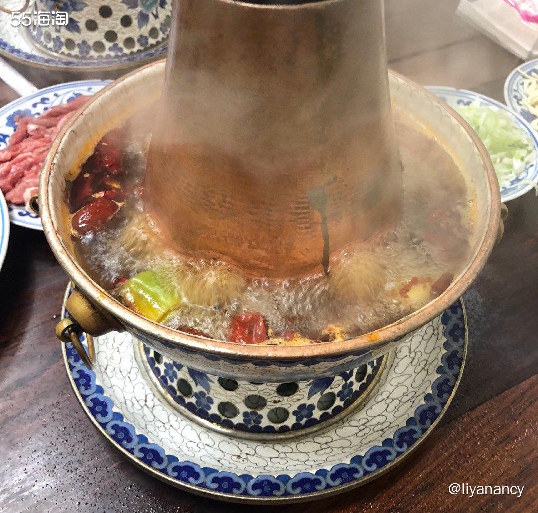 冬日里的小火锅  ✨天冷了,就吃火锅取暖。寒冷的冬日晚上,没