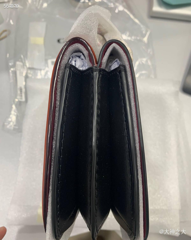 黑五在美国ND买的coach包包,双面可用,价格满意,比天猫