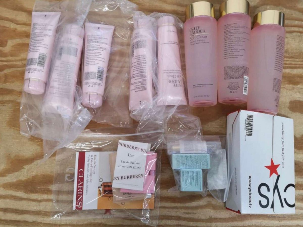 美国梅西百货入的粉水和粉洁,倩碧官网入的镭射302精华液,要