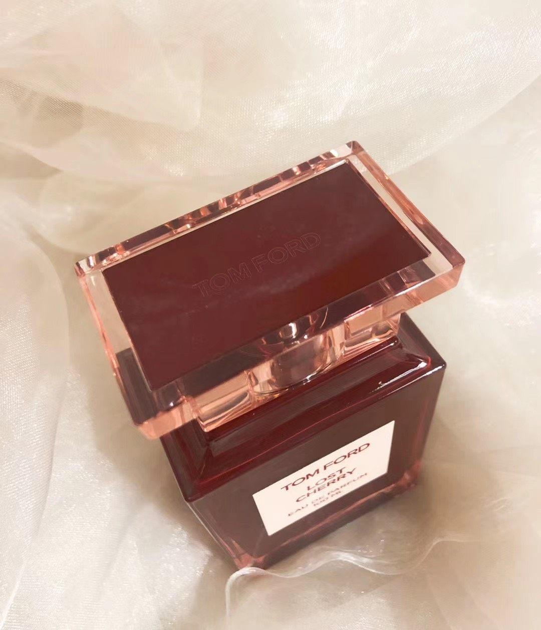 Tf香水折扣又来了 上次卖出去的实拍图,超好看~ 失落的樱桃