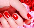 红色指甲油