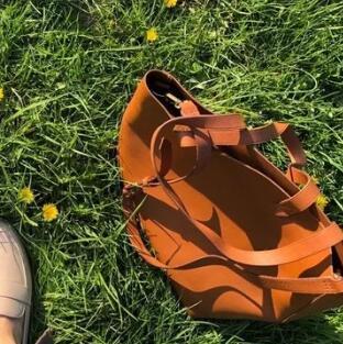 Madewell枫叶橘色托特包