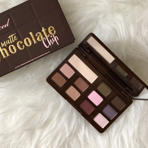 Too Faced Chocolate Chip哑光巧克力眼影盘