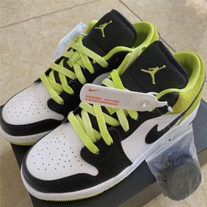 Air Jordan 1 Low SE大童款运动鞋