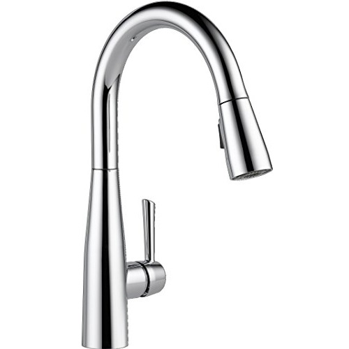 Delta Faucet 9113-DST Essa Single Handle Pull-Down Kitchen Faucet with Magnetic Docking, Chrome