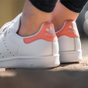 Adidas Stan Smith女款珊瑚粉休闲鞋