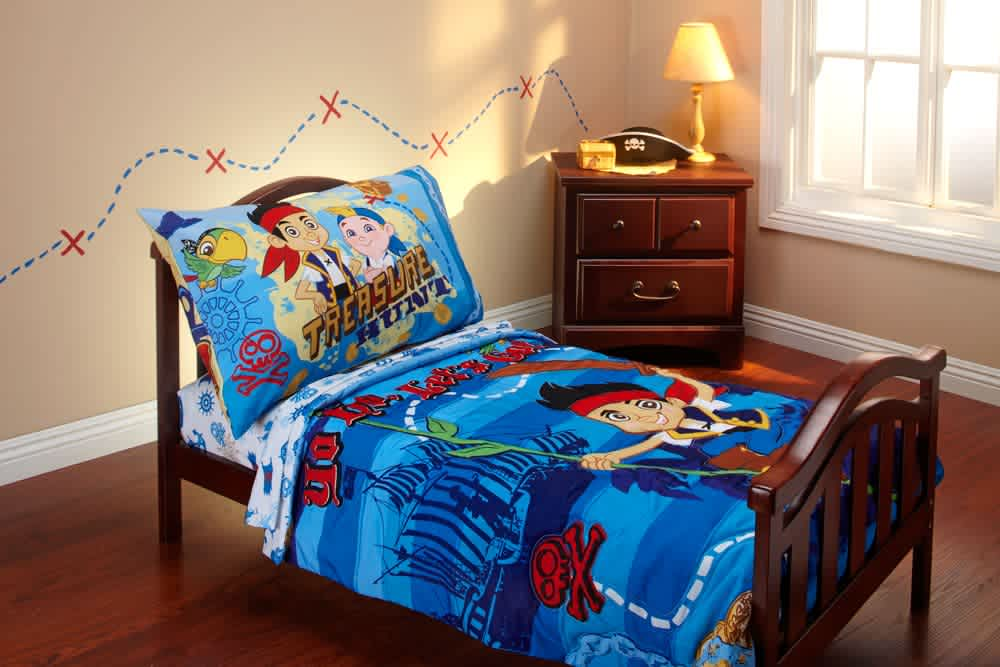 Disney Jake and The Neverland Pirates 4-Piece Toddler Bedding Set
