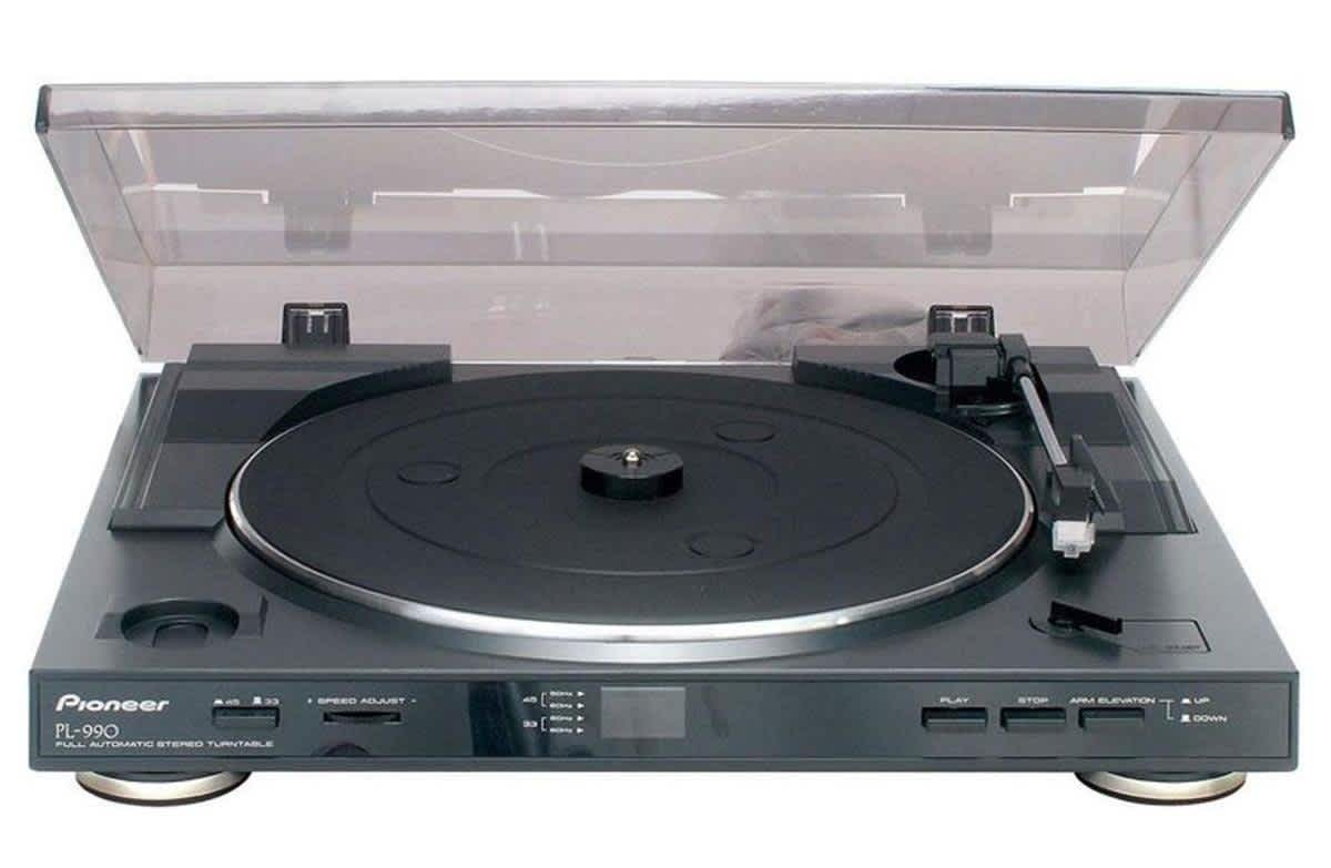 Pioneer Fully Automatic Belt-Driven Turntable
