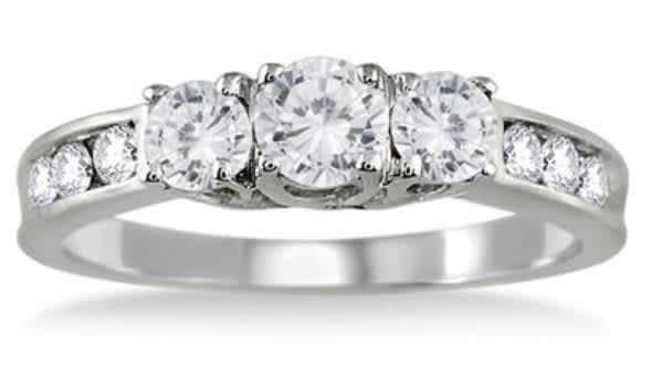 Szul 1-tcw Diamond 3-Stone Ring